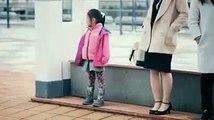 Video hết sức dễ thương của các em bé Nhật Bản phản ứng trước người lạ khi thấy họ làm rơi ví tiền