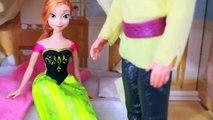 frozen dolls Anna PRANKS Kristoff Play-Doh Bug Sandwich Trick Disney Frozen AllToyCollector