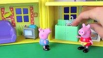 Pig Peppa Pig Play Doh Candy Peek n Surprise Playhouse Play Dough Food Hide and Seek Peppa George
