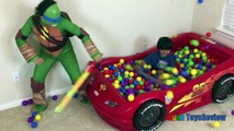 SURPRISE TOYS Giant Ball Pit Challenge Disney Cars Lightning McQueen, Thomas Tra