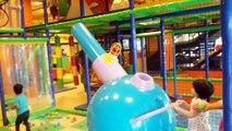 Aire de Jeux intérieure Amusant Meilleurs jeux des Enfants du centre et de la Balle de la fosse