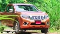 2014 Toyota Hilux Vs. 2015 Nissan Navara NP300