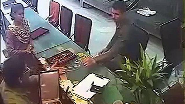FUNNY ROBBERY IN KERALA INDIA - FUNNY VIDEO