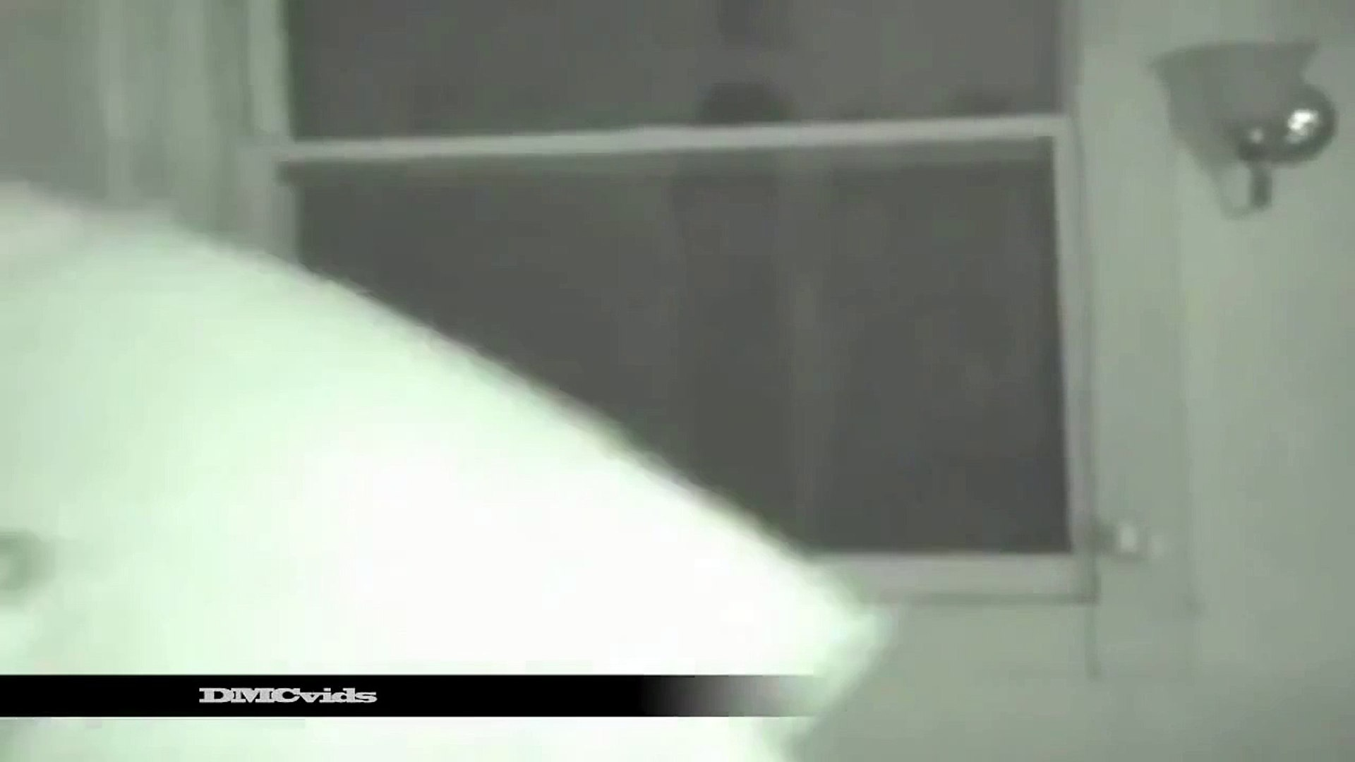 2013 UFO Footage - UFO Disclosure 2013 - Alien Caught on Tape - REAL or fake  - October 2013