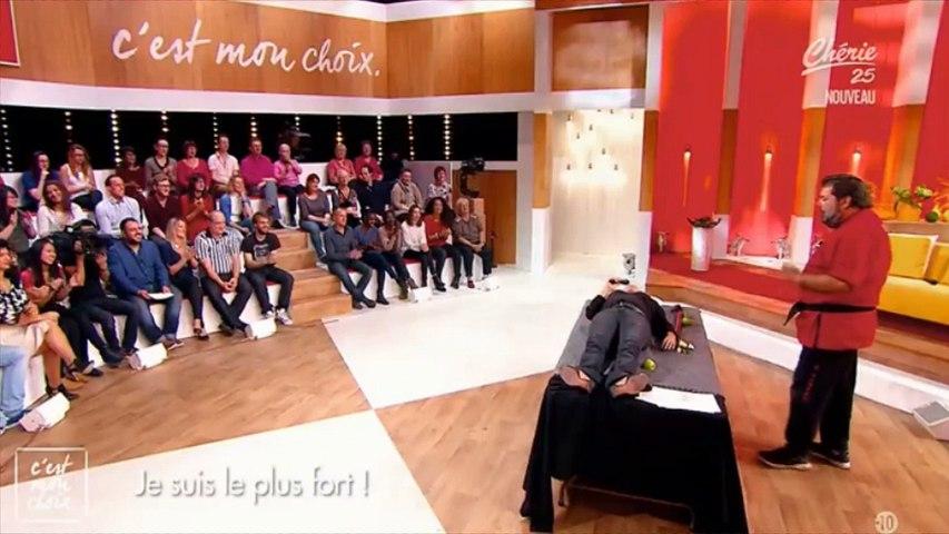 """Evelyne Thomas : """"La société est cruelle"""" (Découvrez une vidéo angoissante de """"C'est mon choix"""")"""