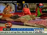 Diya Aur Baati Hum 30th December 2015 Lalima Ko Suraj Ke Kamre Mein Dekh Kar Sandhya Hue Pareshaan