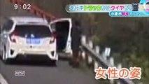 衝撃映像】巨大タイヤ脱輪!!女性に直撃 スーパー