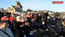 Plérin (22) 200 à 300 baigneurs sous le soleil aux Rosaires