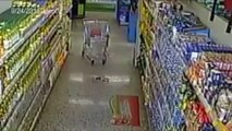 CCTV CAMERA CAUGHT GHOST IN STORE!!! Women Spooked by ghost CCTV Camera caught ghost