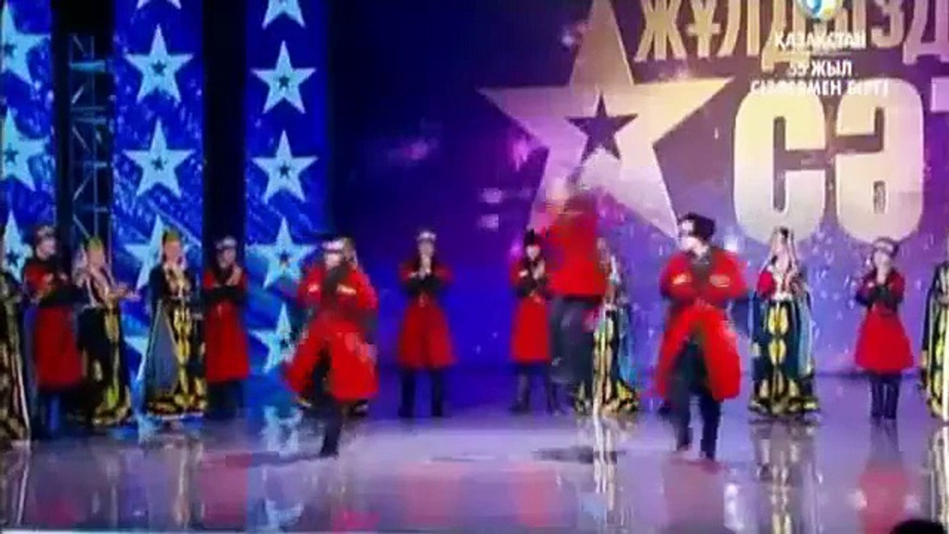 عرض راقص كلهم يرقصون رقص رهيب برنامج المواهب got talent