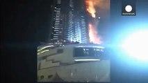Emirats - spectaculaire incendie au coeur de Dubaï