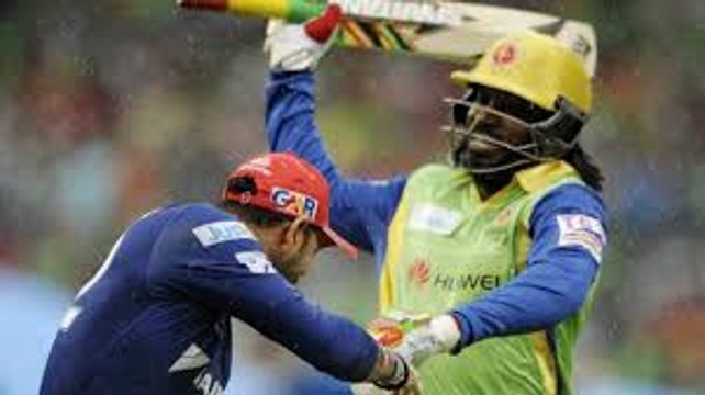 Oh No! Chris Gayle Hits Yuvraj Singh With His Bat _