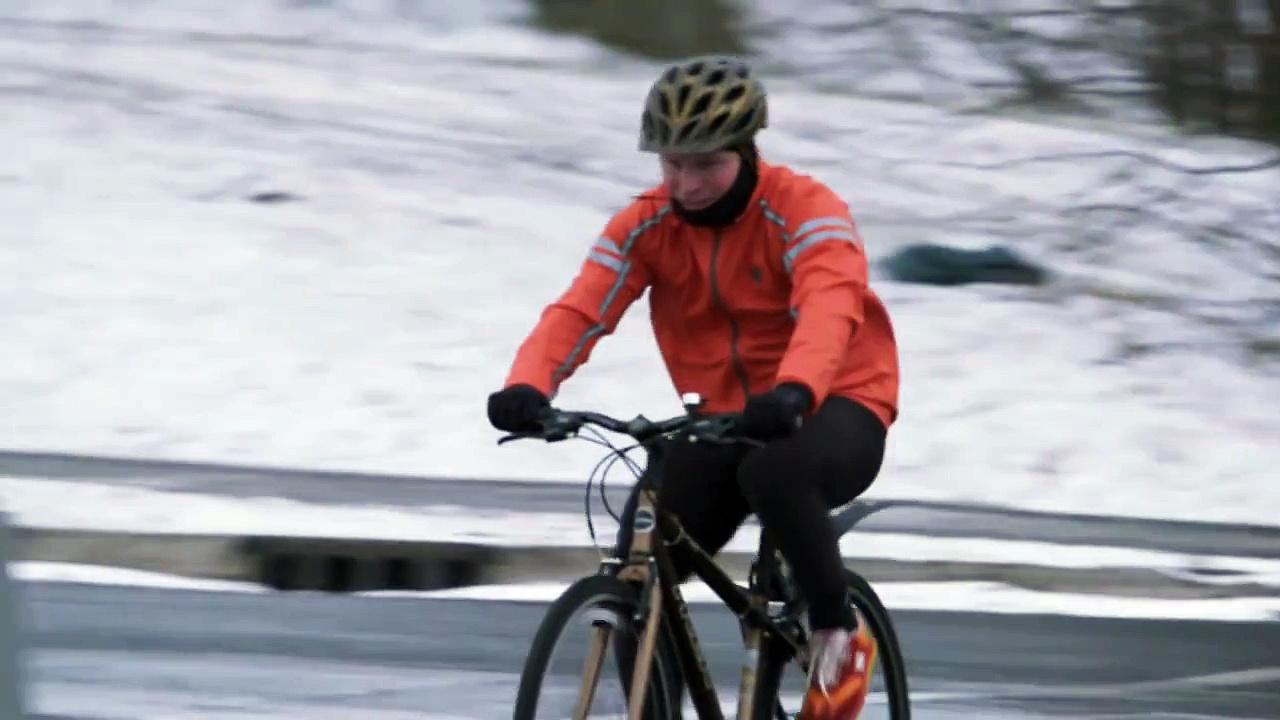 22 Minutes: Hinterland Whos Who Winter Cyclist