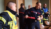 La réunion entre Jean-Léonce Dupont et les pompiers a commencé