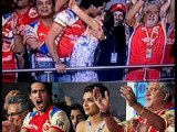 Top Bollywood Scandals - Actress & Actors in Embarrassing Moments at Public Places
