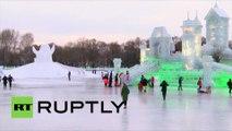 Un moment de magie : l'exposition des sculptures géantes sur glace en Chine