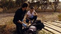 Héctor y Lola encuentran el cuerpo de Ainhoa - Mar de Plástico