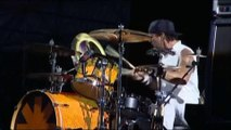 Red Hot Chili Peppers - Throw Away Your Television (2007 live)