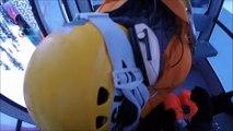 Sauvetage par hélicoptère de skieurs coincés dans une télécabine