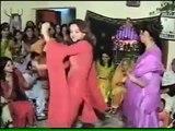 Pakistani Actress Saba Qamar Dancing in Family Function!