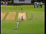 Shahid Afridi Break Traffic Light on Road with a huge six Out of Ground   Amazing Shot! - psl