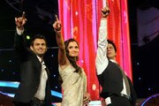 Shoaib and Sania with Shahrukh in star plus show