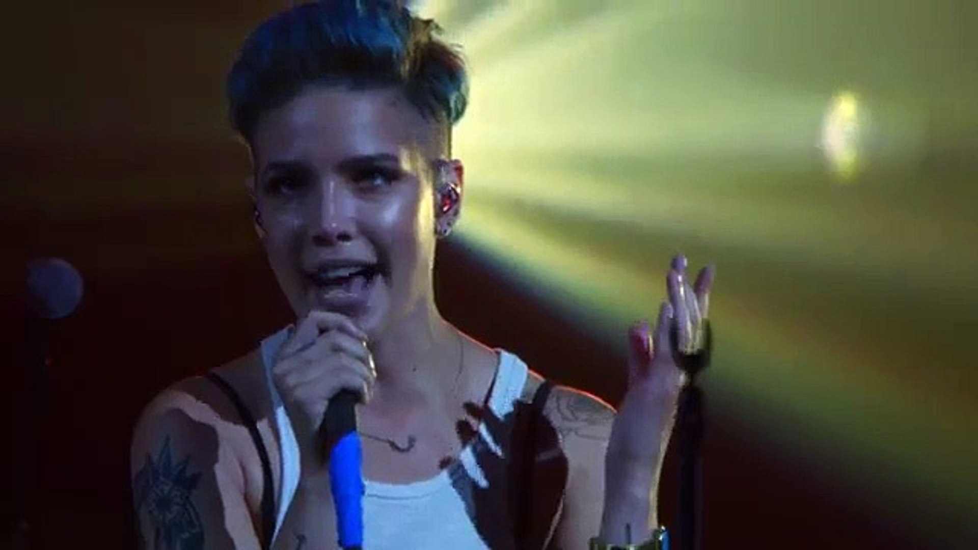 Halsey - Hold Me Down (Vevo LIFT Live) song