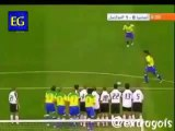 Gol de falta de Ronaldinho Gaúcho pelo Brasil