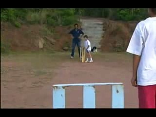 Imran Khan Rare & Unseen Video Of Playing Cricket With His Sons .