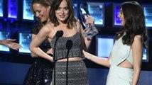Dakota Johnson: Göğüslerimi Görmeyen Kimse Yok Nasıl Olsa