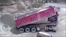 Accident bien débile lors du déchargement d'un camion