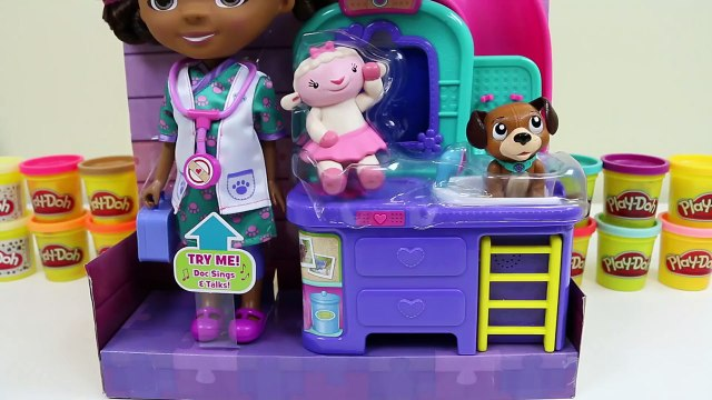 Doc McStuffins Pet Vet Magic Talking Doc & Clinic Disney Jr Playset Doc Sings with Lambie & Findo!