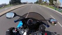 Un motard en excès de vitesse tombe sur un motard de la police très sympa... Drive safe!