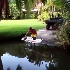 Surf à moteur ou simple surf ?