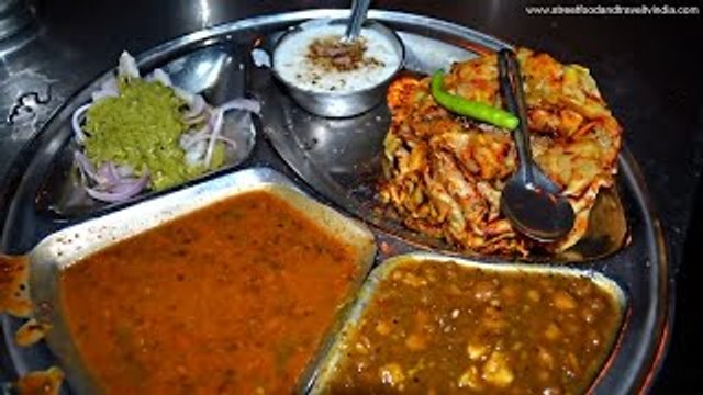North Indian Thali | Indian Food in Delhi | By Street Food & Travel TV India