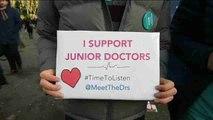 Bloqueo en los quirófanos ingleses por la huelga de médicos residentes