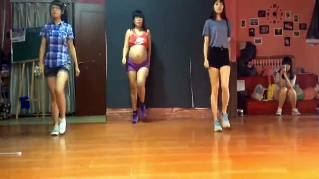 Pregnant women – hip hop dance