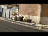 Aversa (CE) - Via Gemito, ancora ritardi per raccolta rifiuti (12.01.16)
