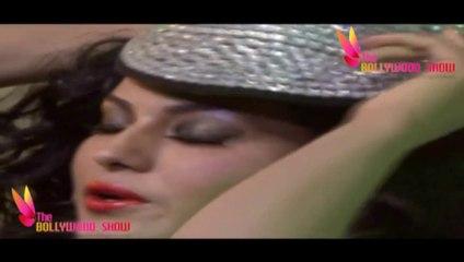 Wardrobe Malfunction Veena Malik Dirty Expressions Photoshoot | Bollywood Beauties