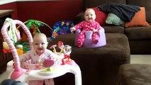 Bebelusi gemeni care rad, Funny twins babies that laughing, Baby zwillinge lachen, gemelos riendose