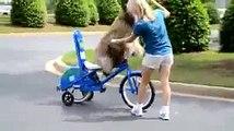 aprendiendo a montar bicicleta por primera vez