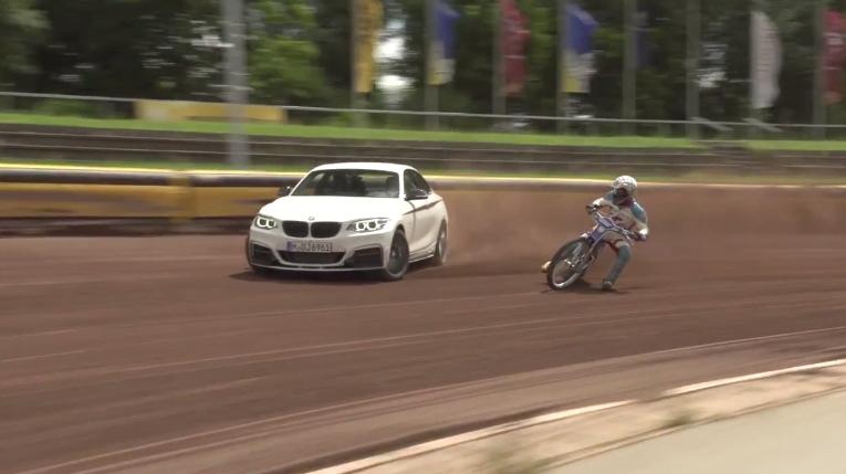 DRIFT BMW M235i VS MOTO BMW