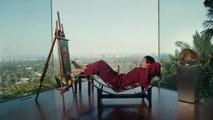 Lenovo YOGA 3 Pro - Ashton Kutcher Toes