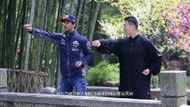 Daniel Ricciardo practica artes marciales en China