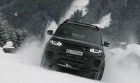 Range Rover Sport SVR y Defender de SPECTRE