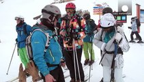 Sciare fuori pista sì, ma in sicurezza: euronews a lezione a Les Deux Alpes