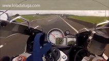 Street Racing BMW S1000RR vs CBR1000 Repsol Street Race, dont do this!!!!