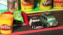Play Doh Disney Pixar Cars, we make Dinoco Lightning McQueen using Cars Molds from Cars2 P