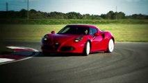 Giancarlo Fisichella conduce el Alfa Romeo 4C
