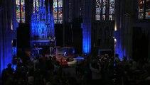 """EXCLU AVANT-PREMIERE: Christophe Willem chante dans une église pour """"Sauvons nos trésors"""" sur France 2"""